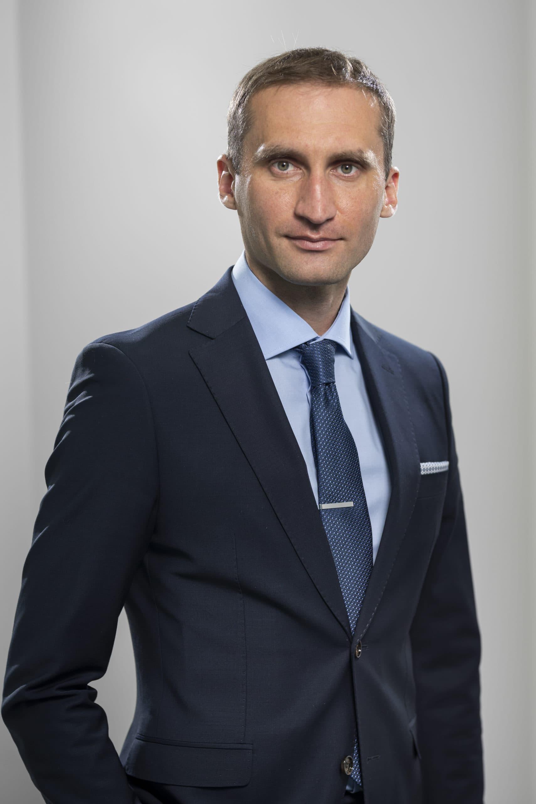 Борис Слажнєв
