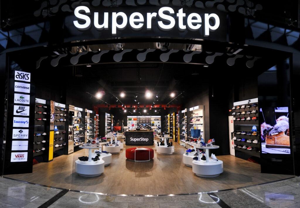 Международную сеть обувных мультибрендовых магазинов SuperStep открыто в Blockbuster Mall
