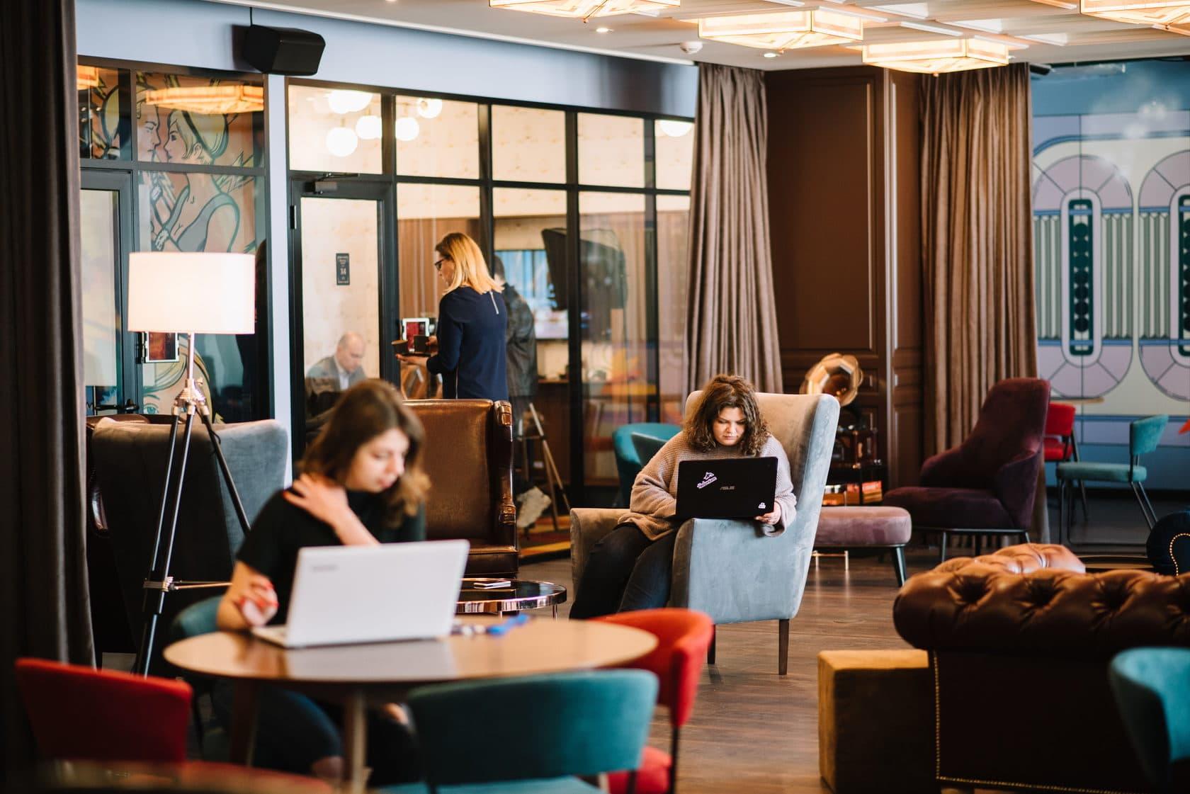 Як Work From Home трансформував готелі в офіси