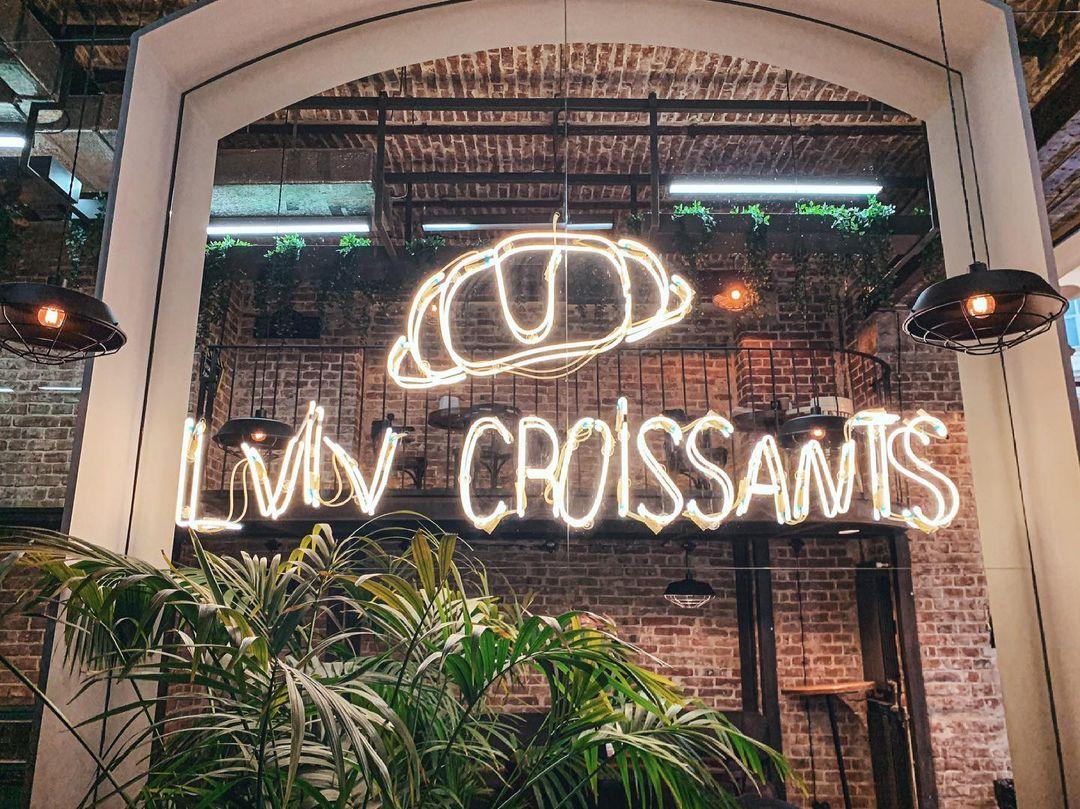 New bakery Lviv Croissants opening soon in Blockbuster Mall!